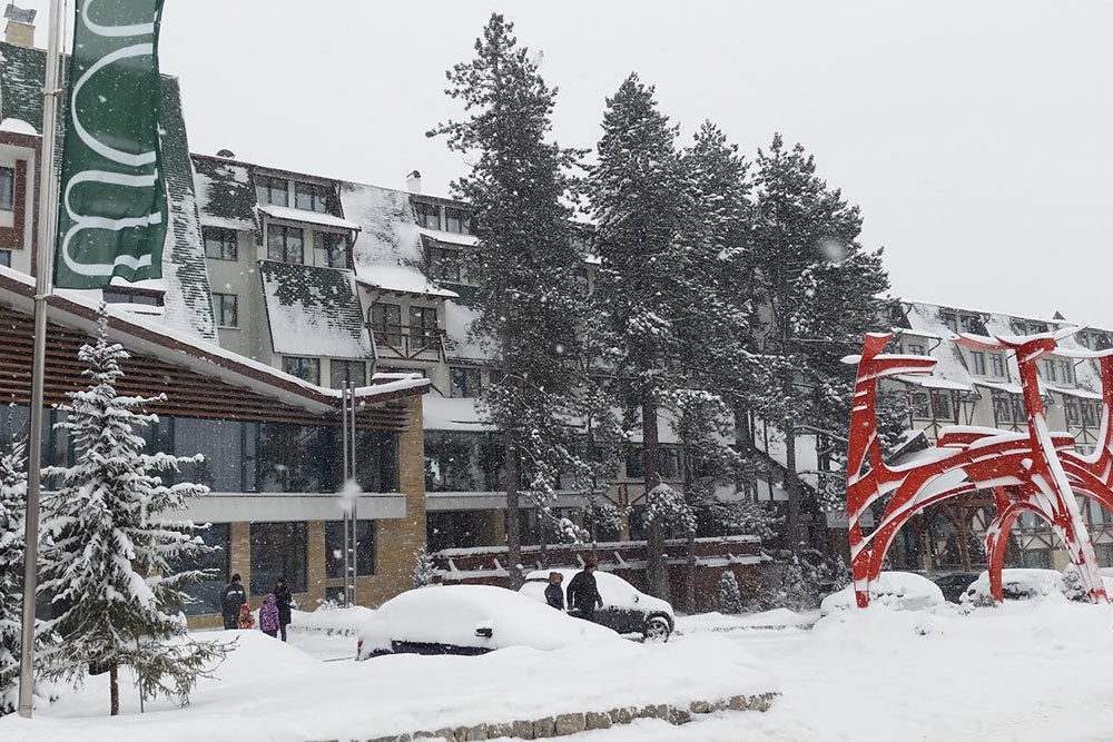 Hotel Mona in winter
